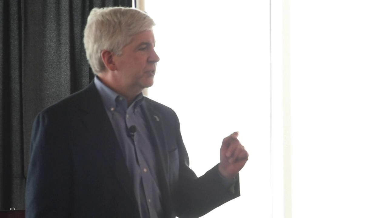 Governor Snyder addresses Macomb County Chamber
