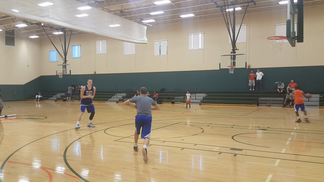 Pistons rookie Henry Ellenson shows his range in practice