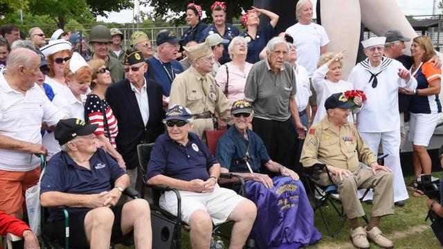 Veterans 'kiss the war goodbye' in Royal Oak