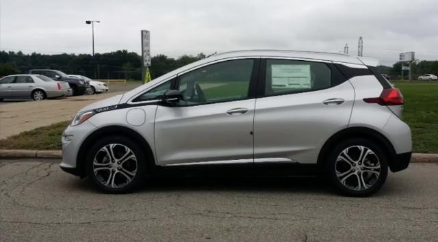 Henry Payne goes 0 to 60 in the Chevy Bolt