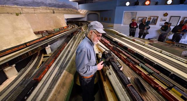 Chi-town Union Station in Commerce Twp. is the world's largest O scale model railroad